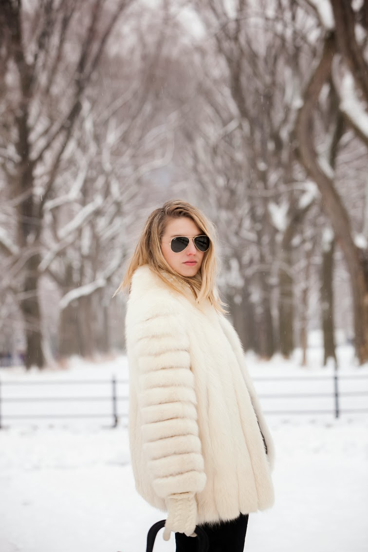 Hair flip, Ray-ban classic aviator sunglasses gold green, white fur coat, vintage, wintertime, outerwear