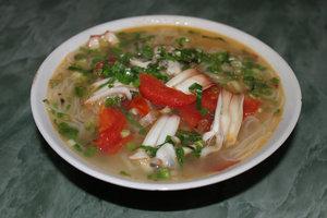 Bún tu hài (noodle soup w/ oyster meat)