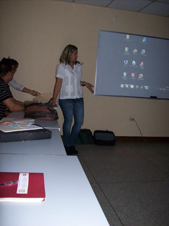 Esposición de la Coordinadora de Liceos Bolivarianos Lcda. María González