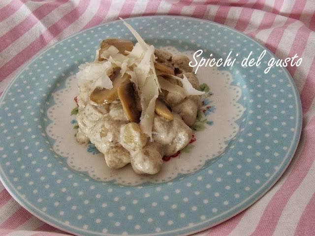 Gnocchetti con funghi e Raspadura Bella Lodi