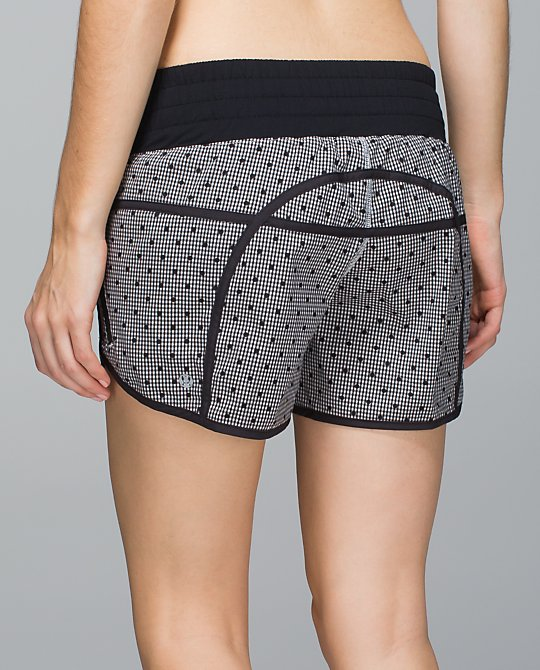 lululemon tracker ii short