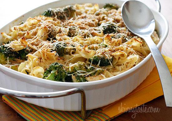 Chicken and Broccoli Noodle Casserole | Skinnytaste