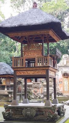 Templo en el Monkey Forest de Ubud