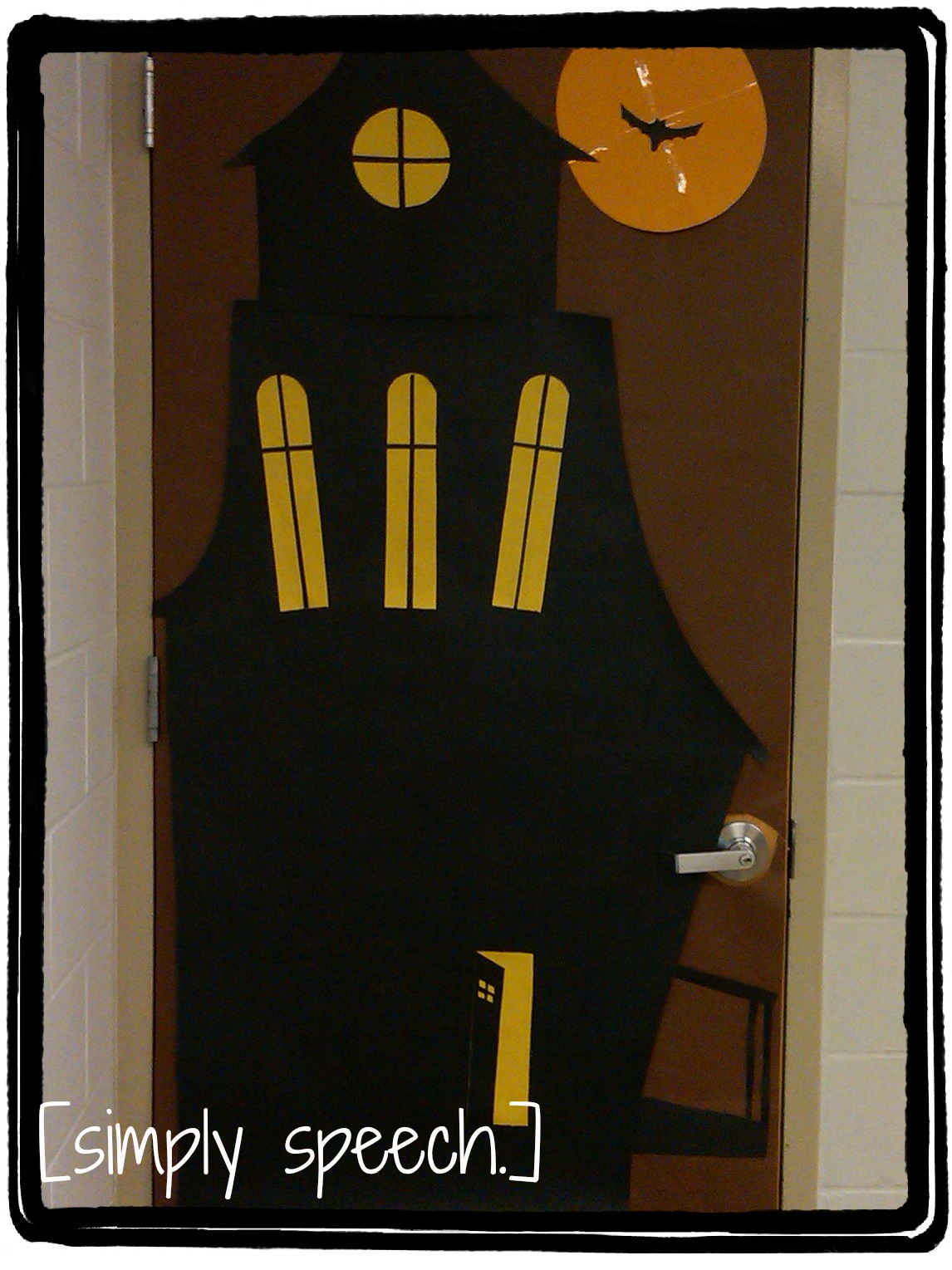 Decorating Ideas > Simply Speech Door Decorations! ~ 153254_Halloween Door Ideas School