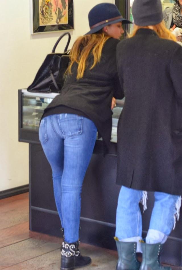 Jessica Alba nos muestra su trasero
