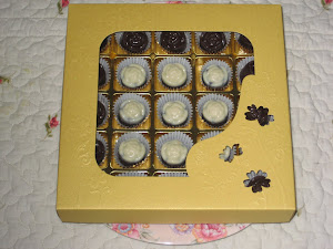 Choc Gift - 25 pcs chocs + cavity box
