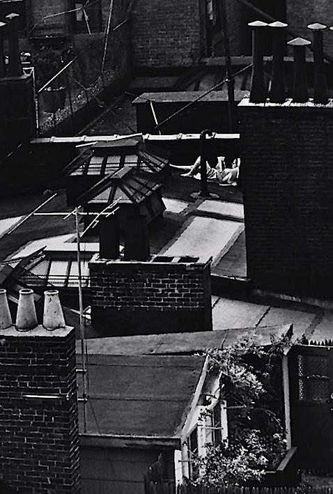 Kertész. Greenwich Village, NY, 1965