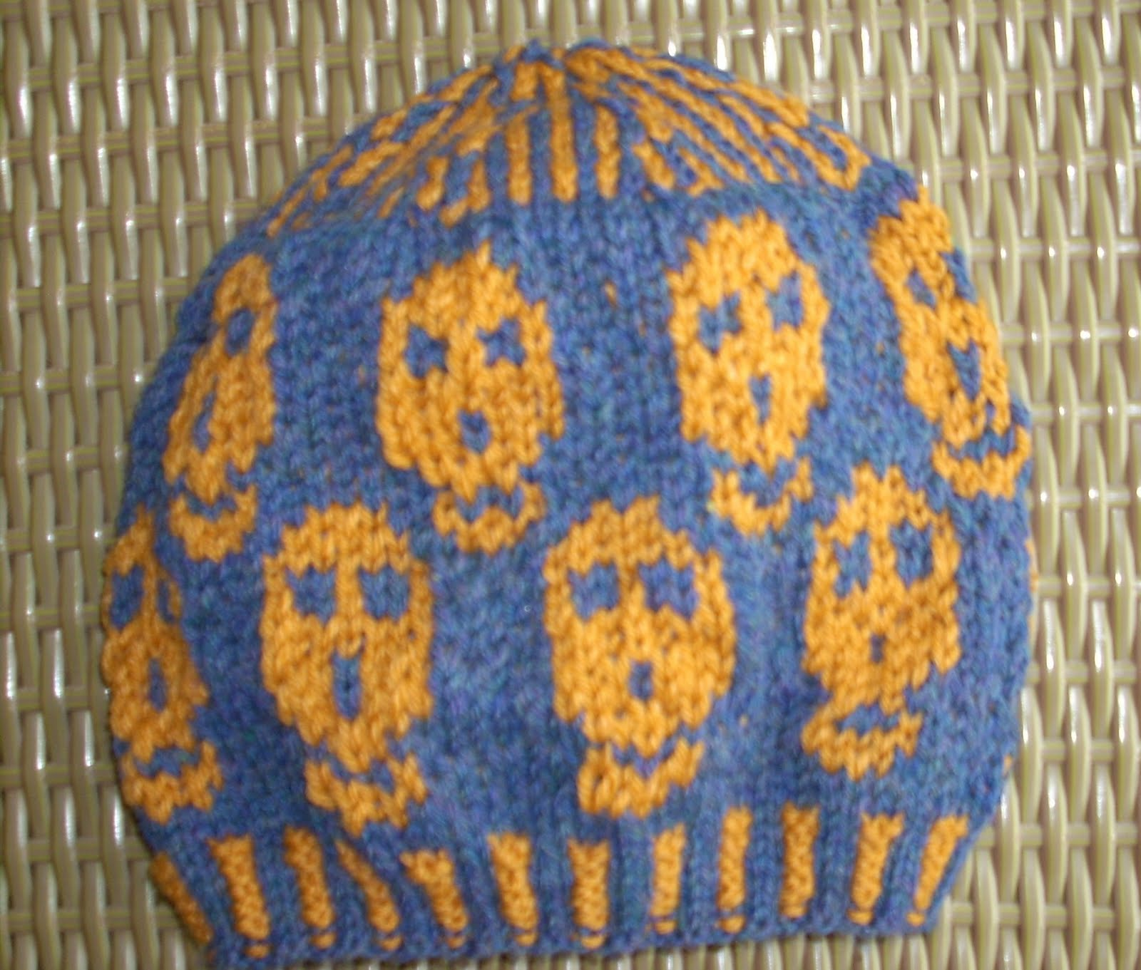 Cool Knit Patterns : SmoothFox Crochet and Knit: SmoothFoxs Cool Skull Hat for Guys and Gals-...