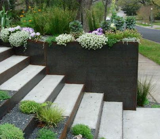 Fotos de escaleras odelos de casas - Jardineras en escalera ...