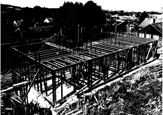 Light steel framing using prefabricated panels