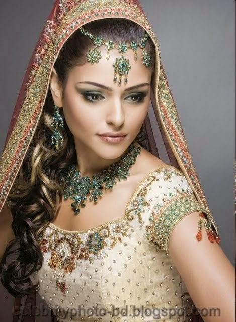 Girls+in+Weddings+and+Bridal+Dressing+Latest+New+Collection001