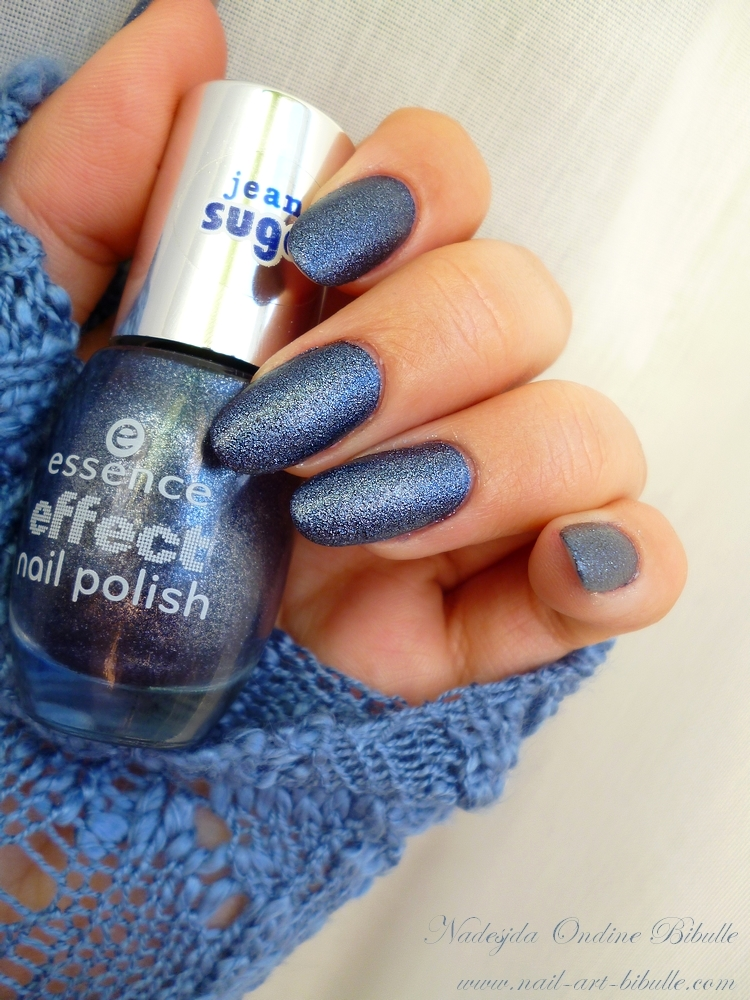 Swatch vernis - Blue jeaned, collection Jeans Sugar. (+ les Gagnantes du Give Away, pour de vrai!)