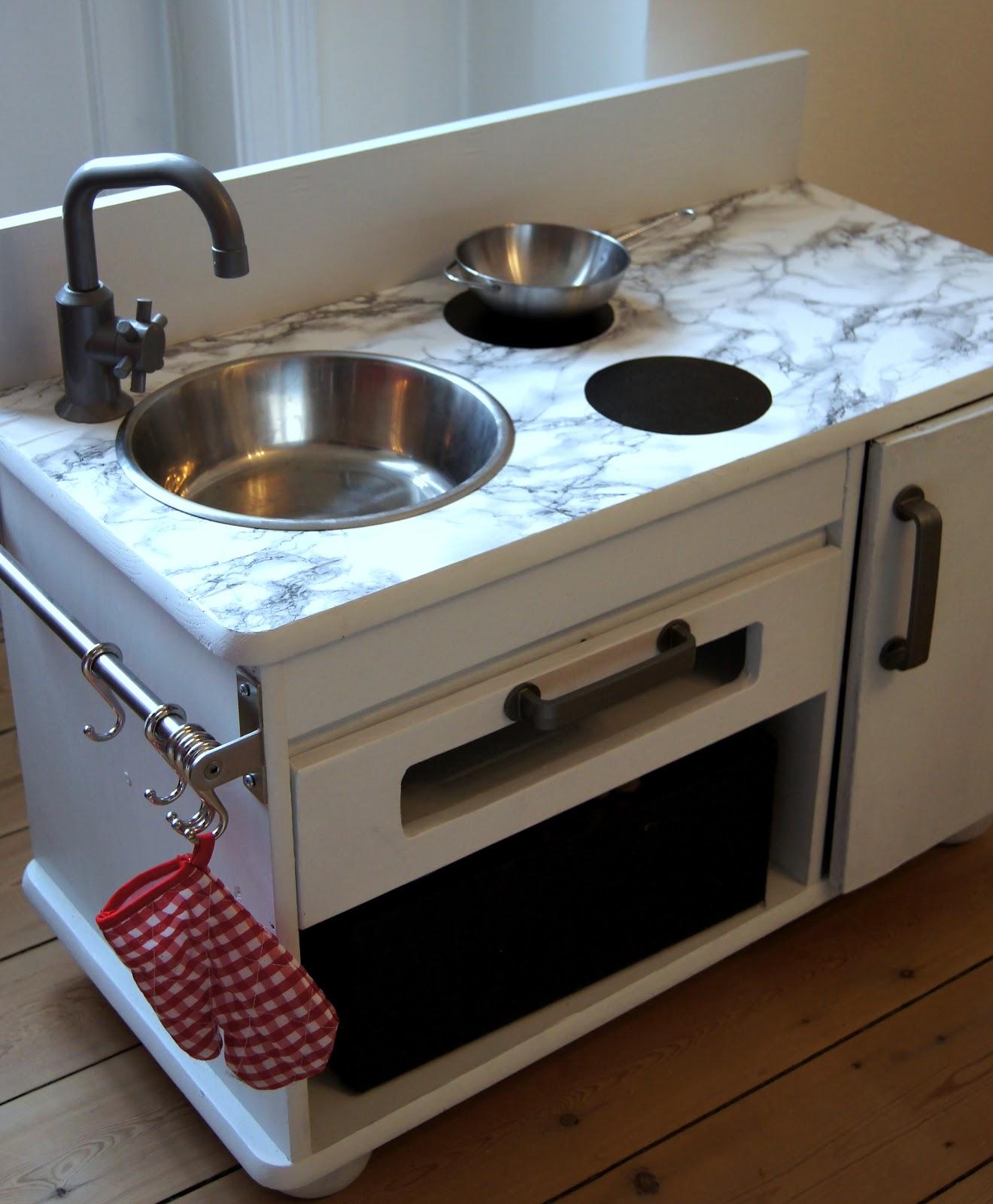 Frk fløjgaard: gør det selv køkken i miniudgave