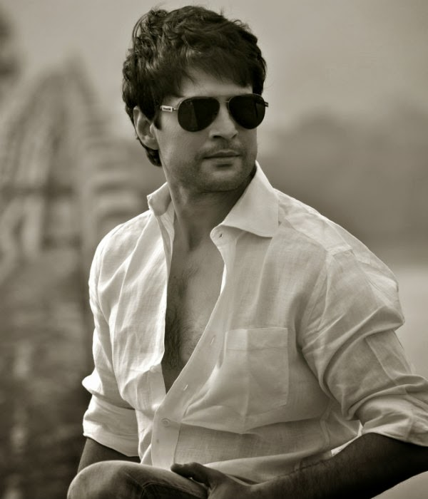 Bollywood Actor Rajeev Khandelwal Accidents Photos