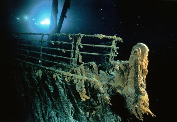 http://4.bp.blogspot.com/-bsLD038qQmY/T4m1cyB7cdI/AAAAAAAAFj0/1YyG-HiuU4M/s1600/Titanic-underwater.jpg