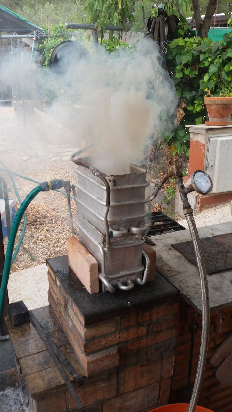 Energia solar casera y utiles calentador de agua con le a for Calderas de lena para radiadores de agua