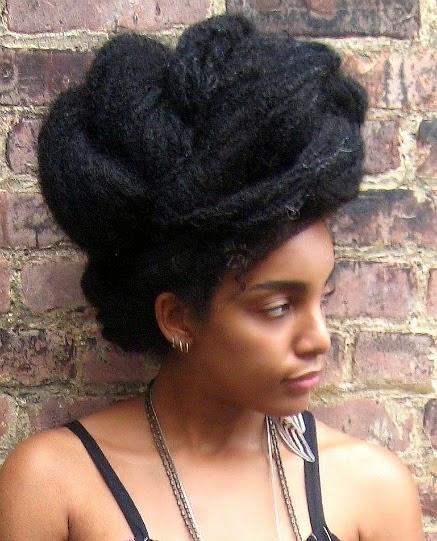 Avoir les cheveux moins frises