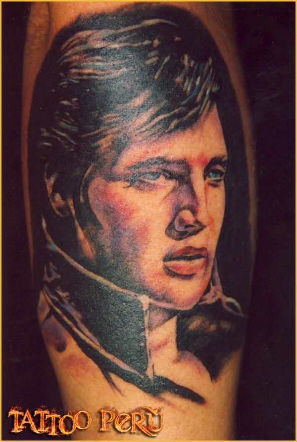 Las mejores fotos de Tatuajes para que puedas conocer como quedan en todas las zonas del cuerpo, así como también todo tipo de tatuajes para que disfrutes de obras de artes:  01_Elvis_Presley_tattoo
