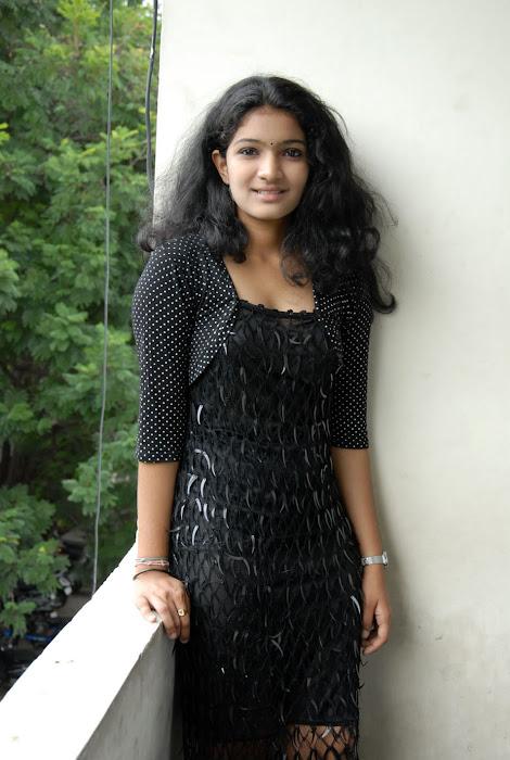 gayatri new glamour  images