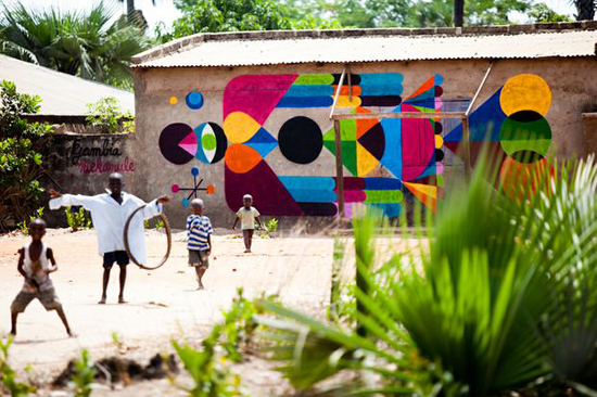 Safari Fusion blog | Living art in The Gambia | A local village living art project