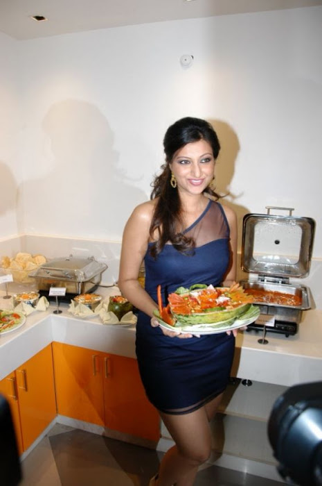 hamsa nandini spicy in blue skirt at food festival glamour  images