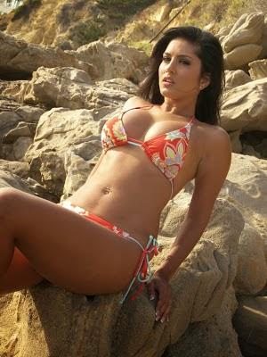 Sunny Leone without dress Hot bikini Photoshoot