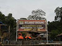 Spanduk Selamat Datang Di Pulau Nusa Kambangan