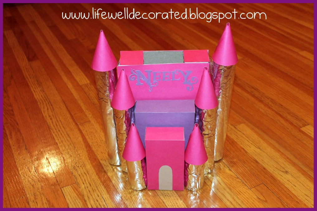 Life Well Decorated }: Princess Castle Valentine\'s Box