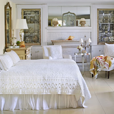 Decorating  Lamps on Decorating With Antique Mirrors
