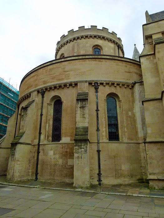 Round church, circular church, London, Britain