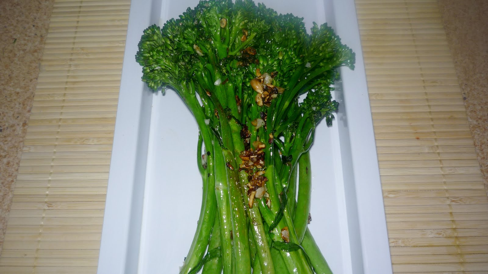 Tastes For Everyday Life: Grilled Broccolini in Garlic and Lemon...
