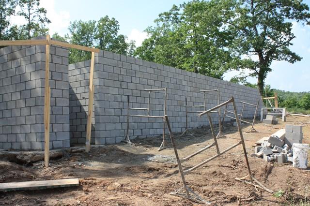 Karsan Log Home May 25 2011 Brick Foundation Going Up