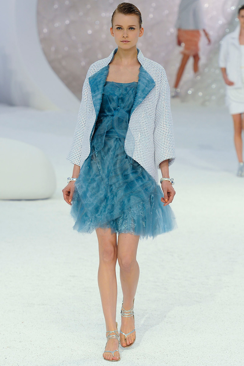 fashion show chanel springsummer 2012 rtw paris fashion