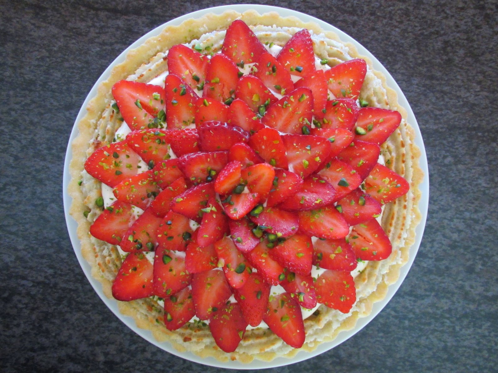 jordbærtærte blomsterberg