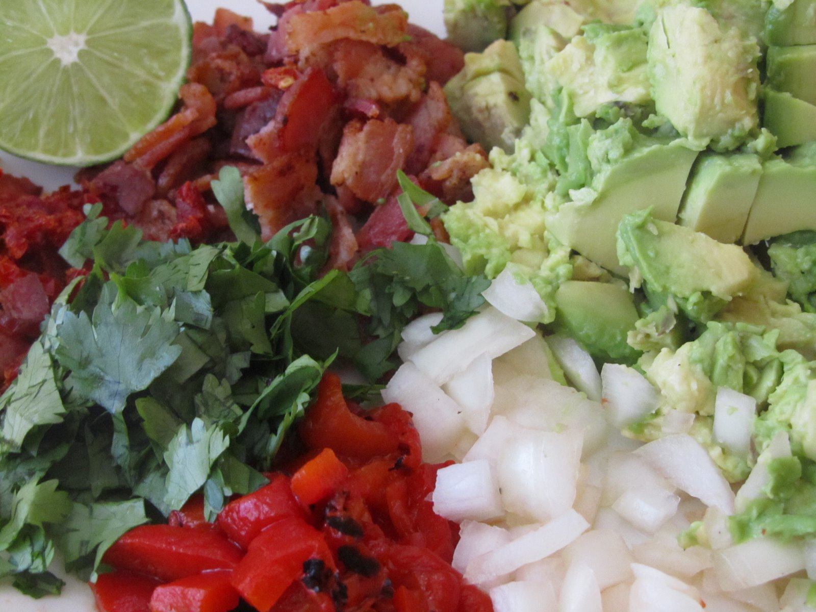 It's Yummy to My Tummy: bacon and sun-dried tomato guacamole