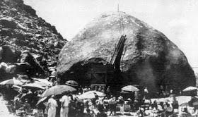 Van Tassel y sus seguidores llevaron a cabo eventos regulares en Giant Rock, creyendo que era un punto de contacto entre los humanos y los ovnis.