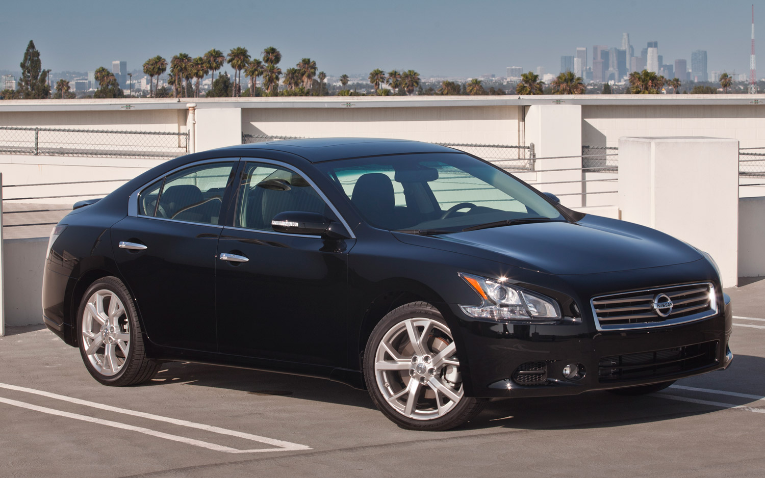 The best of cars: Nissan Maxima 2013