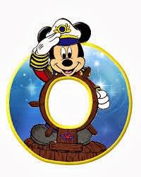Alfabeto de personajes Disney con letras grandes O Mickey.