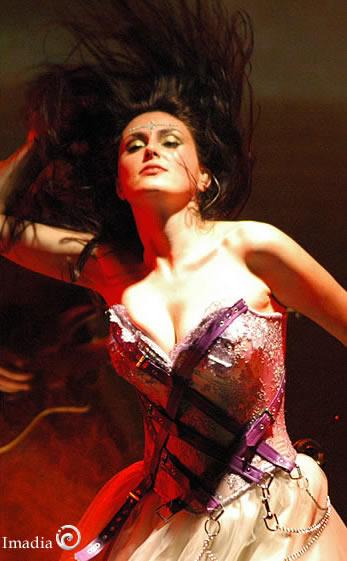 Sharon Den Adel - Photo Actress