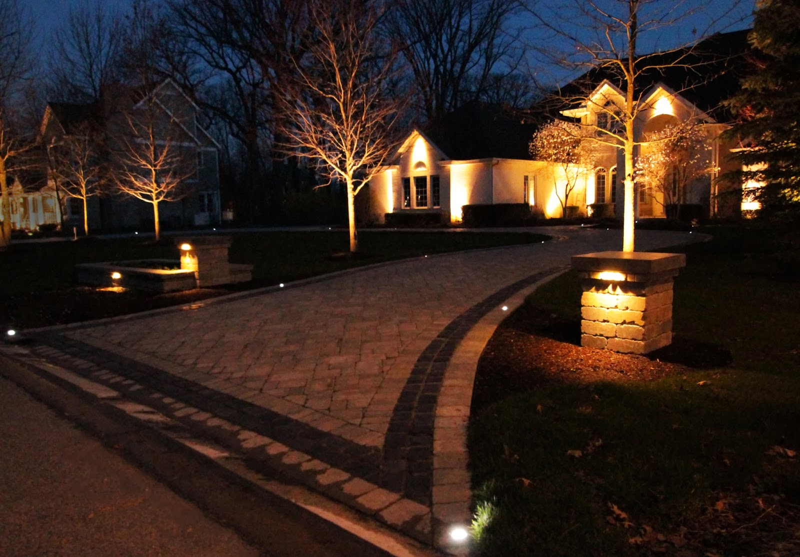 Landscape Lighting: LED Landscape Lights: Beyond the Spotlight