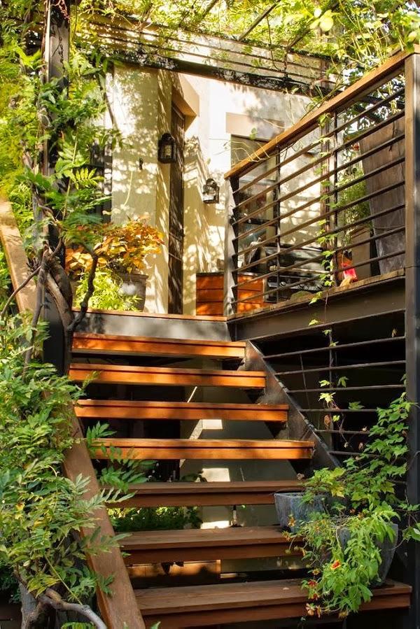 Antes y despu s un jard n trasero en brooklyn guia de jardin - Escaleras jardin ...