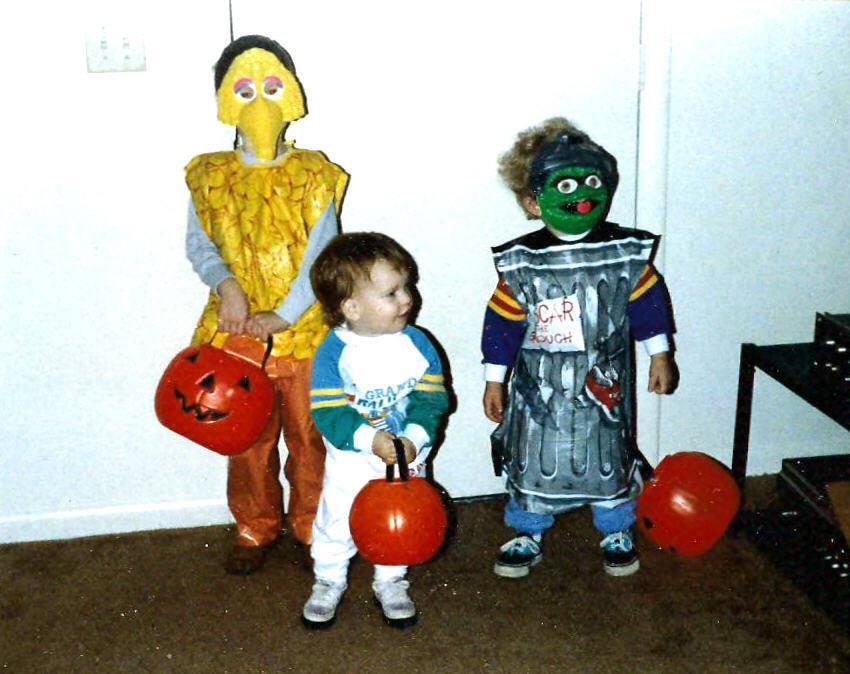 halloween costumes date back