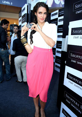 neha dhupia at shoppers stop gift card launch unseen pics