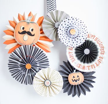 An eye-catching Halloween wreath