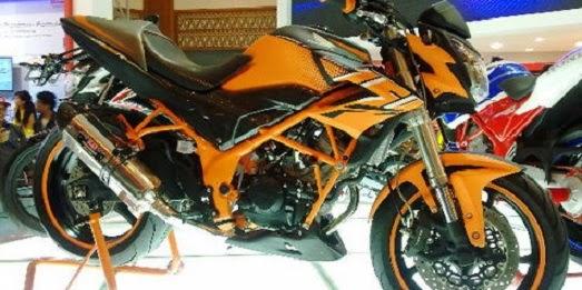 Blog Modifikasi Motor: Honda CB150R Modifikasi Dengan Limbah Moge