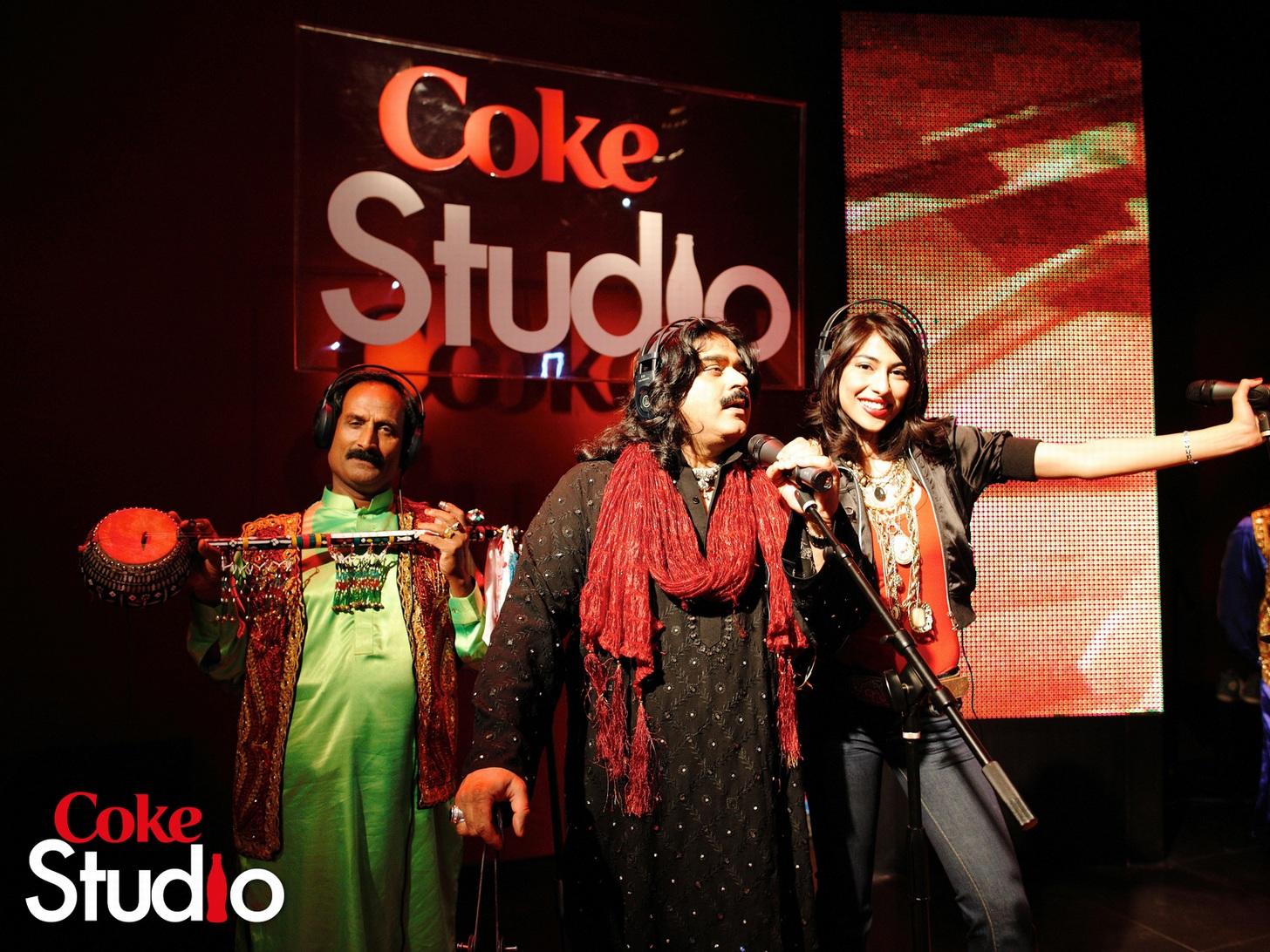 http://4.bp.blogspot.com/-bv6bcnYutFY/T-RVpxC_0bI/AAAAAAAAAU8/c0jLwbIRnu0/s1600/arif-lohar-meesha-shafi-coke-studio.jpg