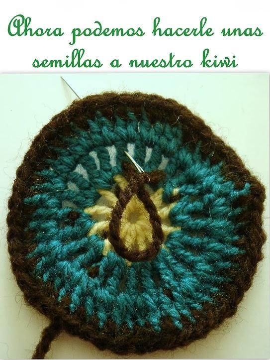 Febrero es así: Posavasos de frutas a crochet