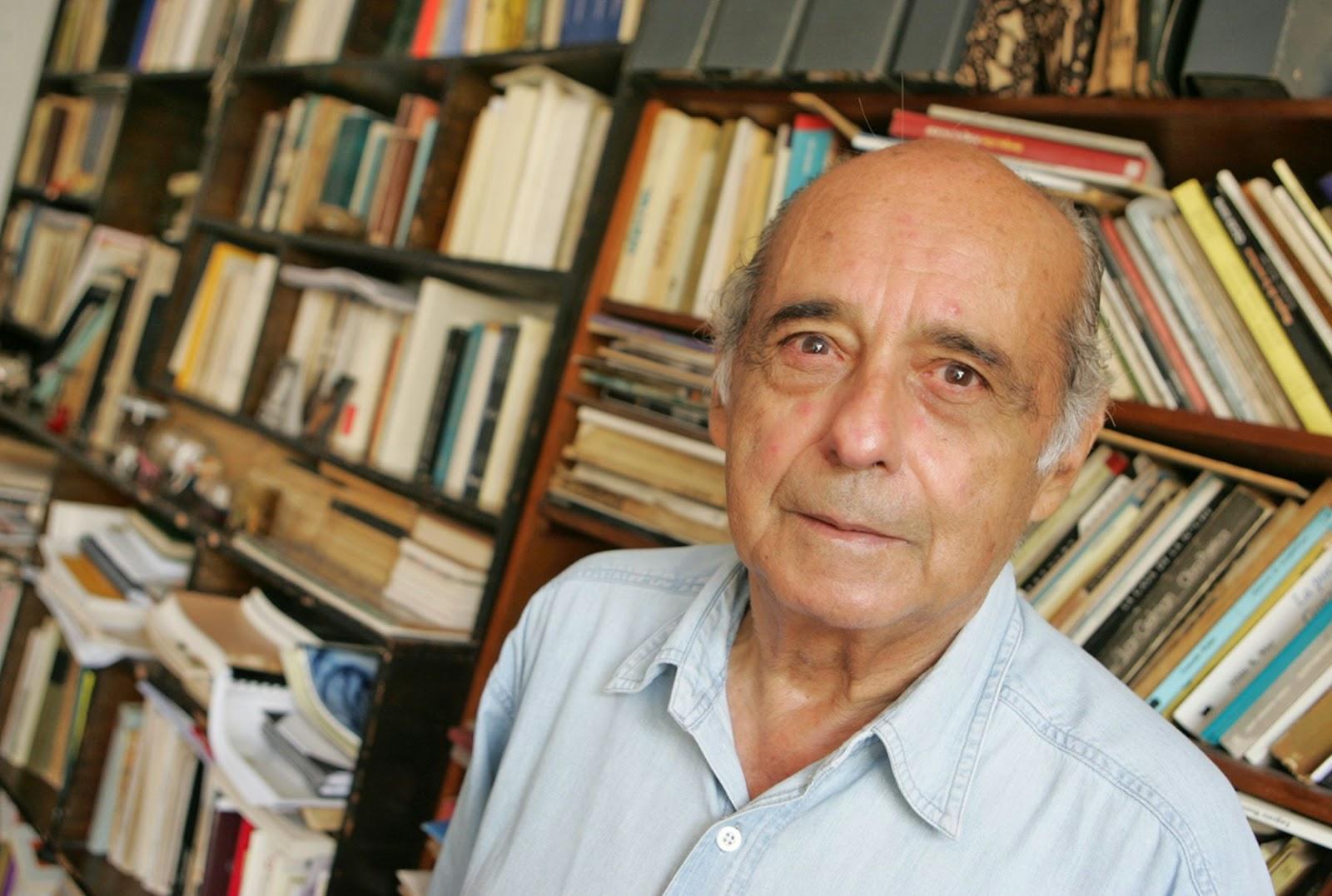 poeta y periodista peruano de la llamada generación literaria del 50. Ha obtenido importantes galardones como el Premio Iberoamericano de Poesía Pablo Neruda 2006 y Premio Casa de las Américas de Poesía José Lezama Lima 2009.