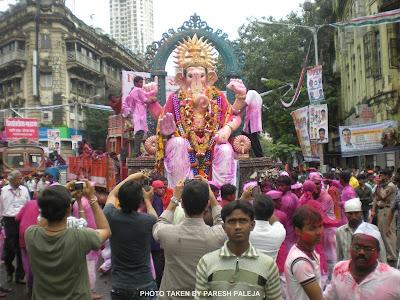 Ganpati Visharajan Darshan Girgaum Chaupati  2011
