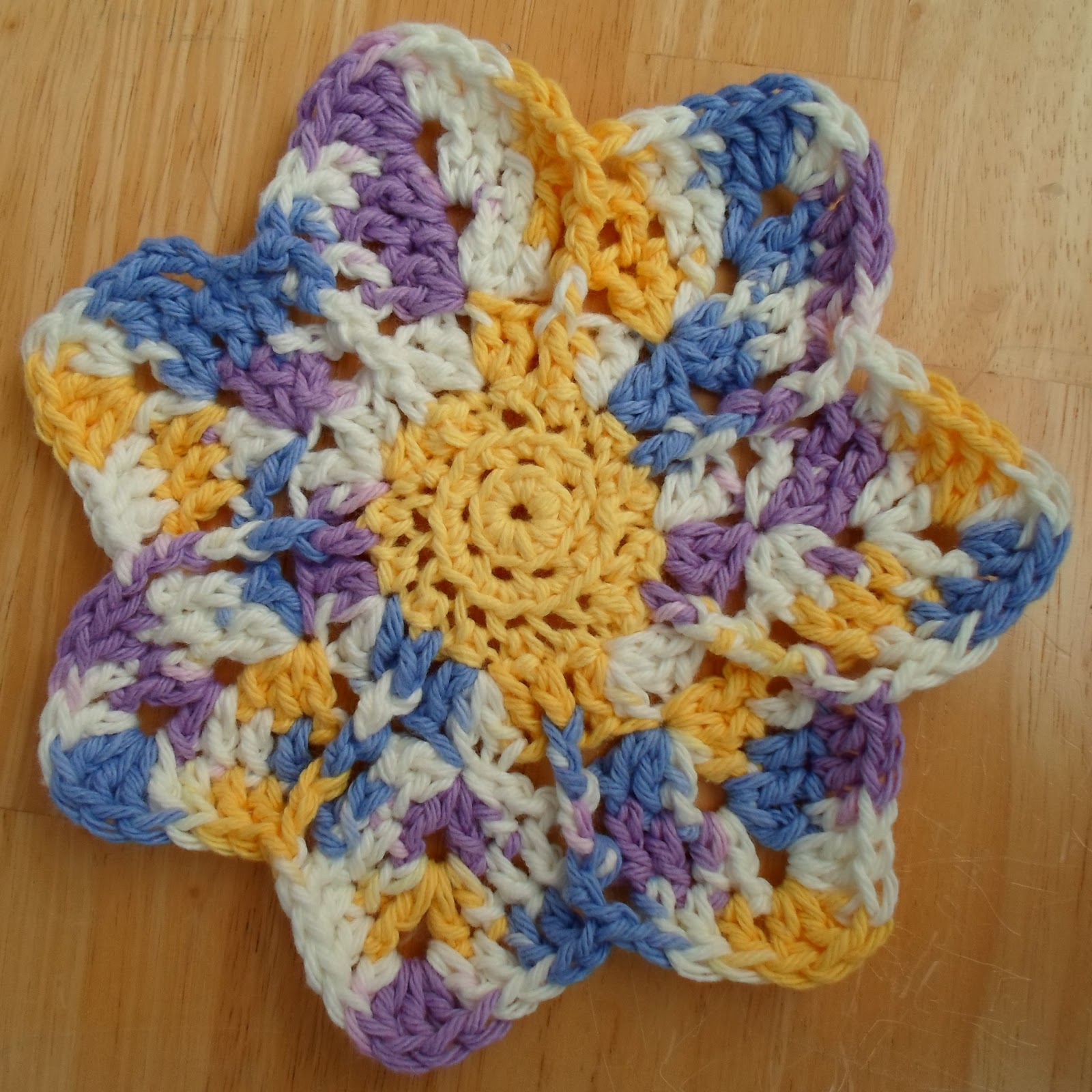 Happier Than A Pig In Mud: Crochet Spring Flower Dishcloth